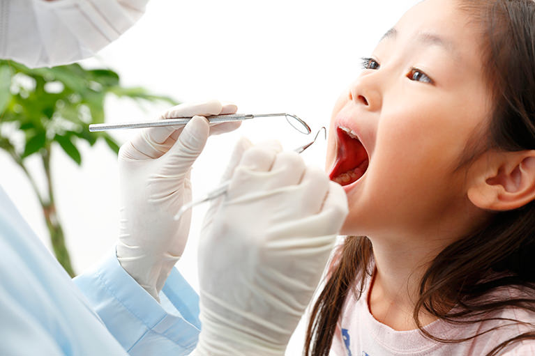 お子様の歯の治療